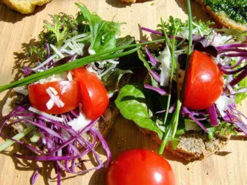 Amarant Buchweizenbrot mit Tomate