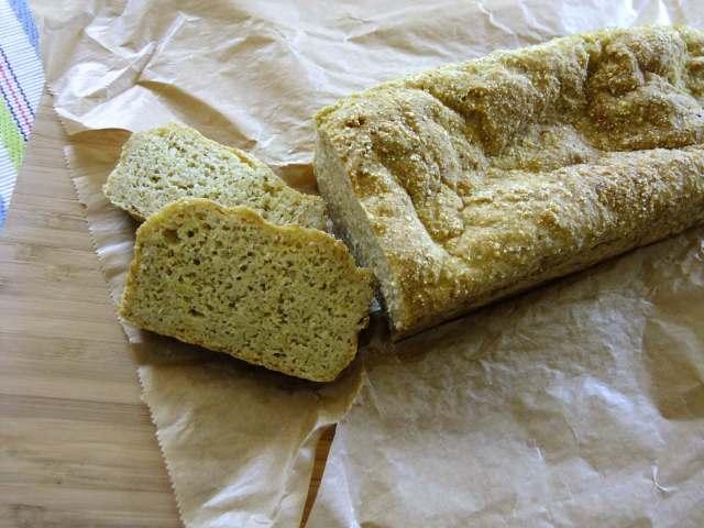 Brot aus Hirse und Quinoa